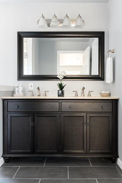 shady-fuji-upstairs-master-bathroom-0572.jpg