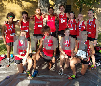 cross-country-tyler-lee-boys-first-girls-second-at-116a-meet
