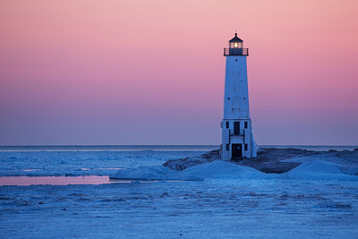 Michigan Lighthouse Guide - Frankfort