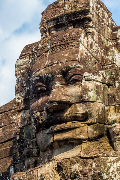 Face of Wat Thom