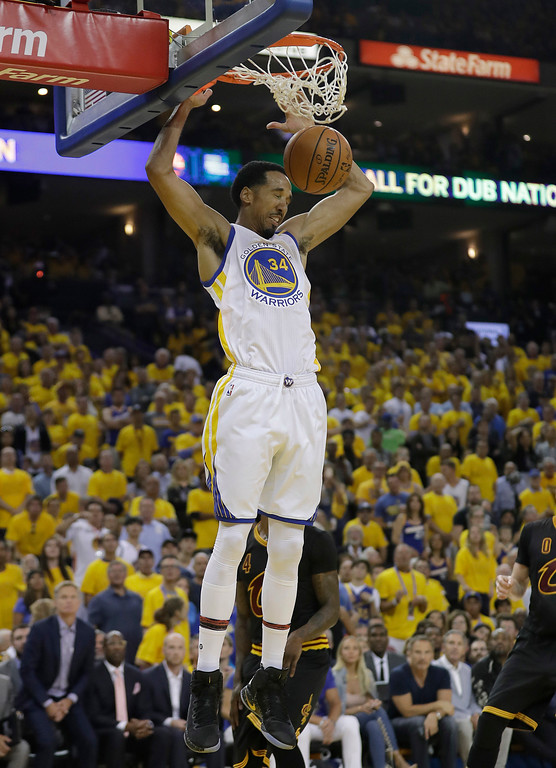 . Golden State Warriors guard Shaun Livingston (34) dunks against the Cleveland Cavaliers during the first half of Game 2 of basketball\'s NBA Finals in Oakland, Calif., Sunday, June 4, 2017. (AP Photo/Marcio Jose Sanchez)