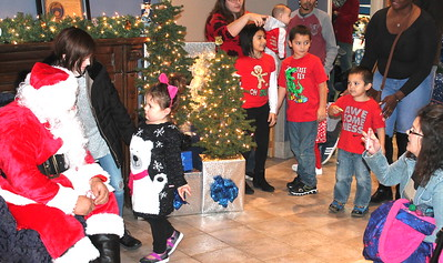 Center Police Dept hosts Cookies & Cocoa with Santa