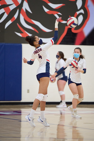Volleyball: Independence 3, Heritage 1 by Svemir Brkic on March 11, 2021