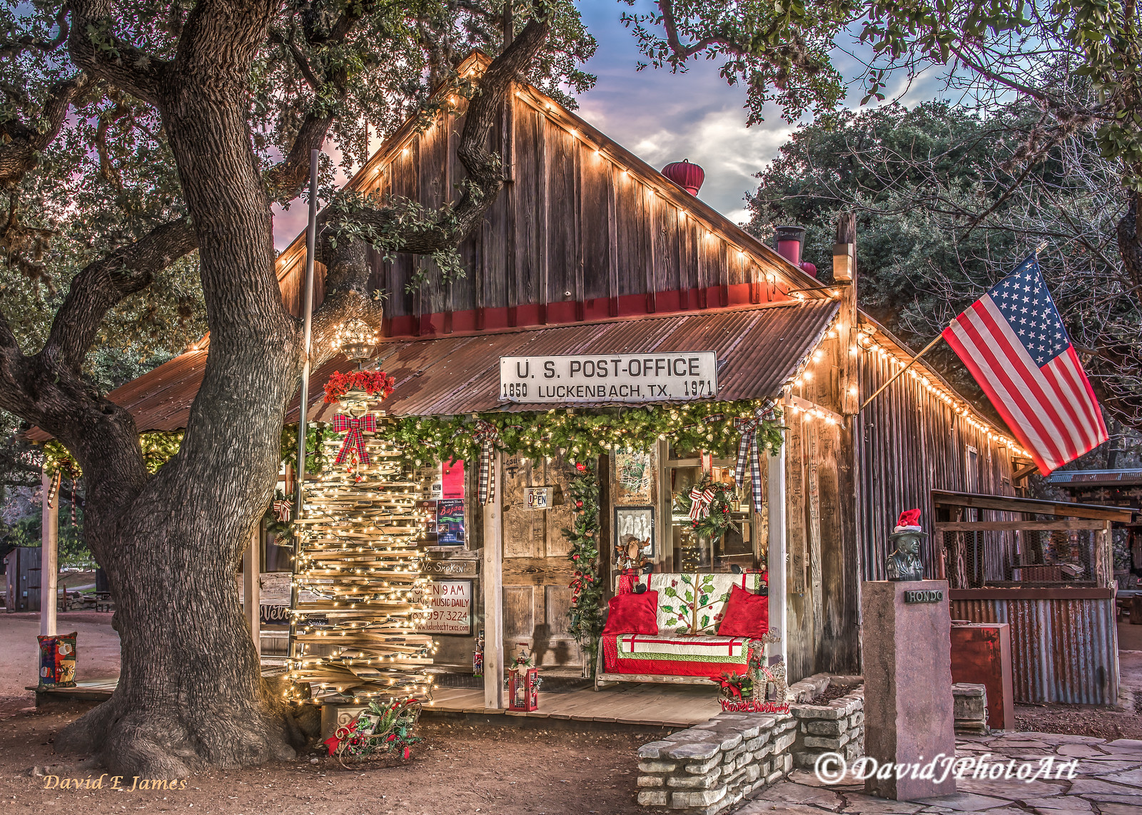 Luckenbach Texas, Seasonal - Christmas