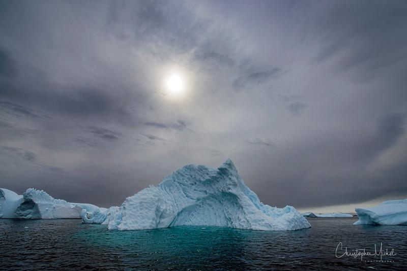 icebergs_pleneau_island_lemaire_20130106_7796.jpg