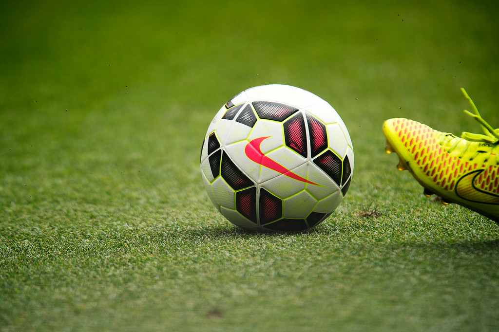 . A player prepares to kick the ball during a Manchester United-AS Roma exhibition match of the Guinness International Champions Cup at Sports Authority Field at Mile High on July 26, 2014, in Denver, Colorado. (Photo by Daniel Petty/The Denver Post)