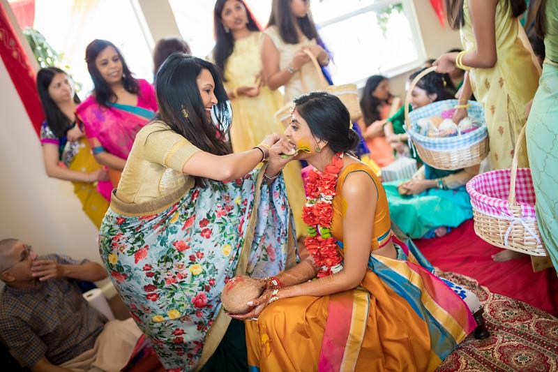 Hina_Pithi_Pooja-190.jpg