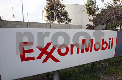 exxon-settles-pollution-case-with-feds-by-upgrading-8-plants-in-harveyaffected-areas