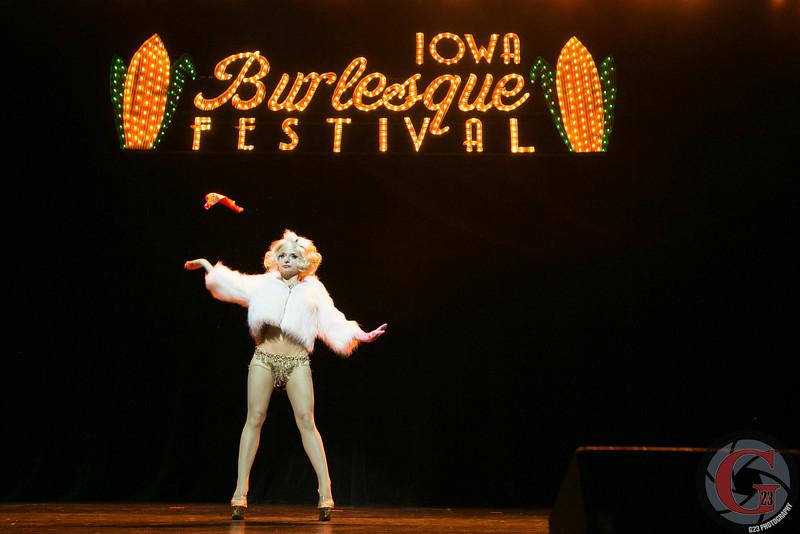 burlesque day2 edits (230 of 123).jpg
