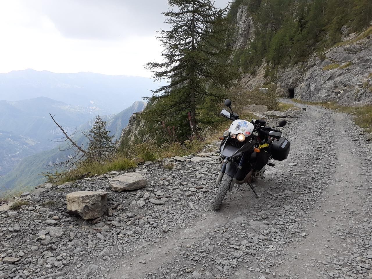 Beklimming via Lago Tenarda naar Baisse di Sanson. Zonder sneeuw