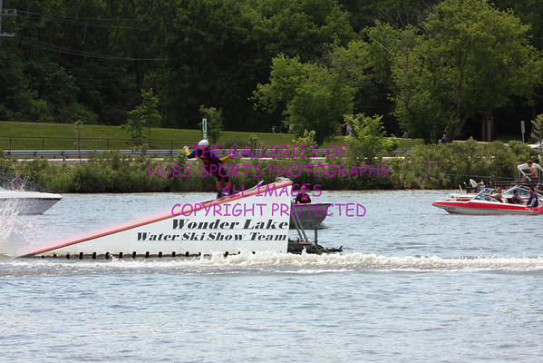2009 PRIDE OF THE FOX - RIVER FEST - WATER SKIING & CANDIDS