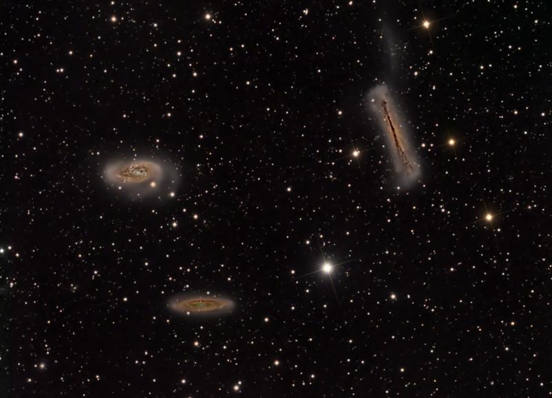 Telescope TMB 130 F6<br /> Mount Takahashi EM200 Temma2,<br /> CCD Sbig STT8300<br /> Exposures 36x300 L, 8x300 seg. for each RGB.<br /> Pixinsight, Photoshop proceced.  <br /> Photo taken in 3 night near Sevilla,Spain