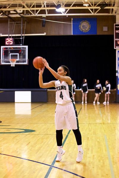 '17 Cyclones Girls Basketball 192.jpg