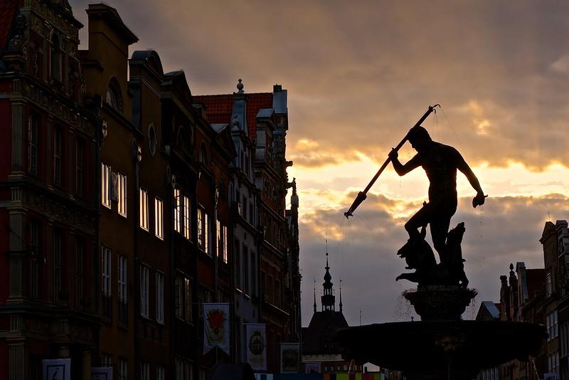Neptune Fountain on Długi Targ / Long Street