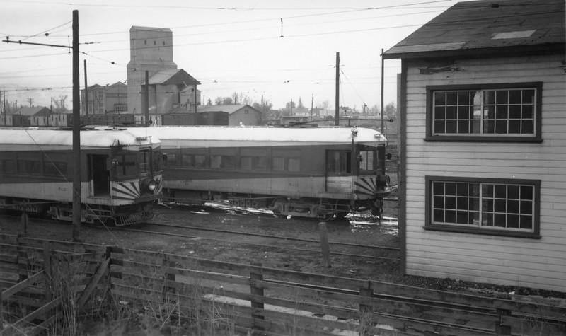 UIC-Last-Run_Feb-15-1947_Preston-car-barn_Gordon-Cardall-photo_02.jpg