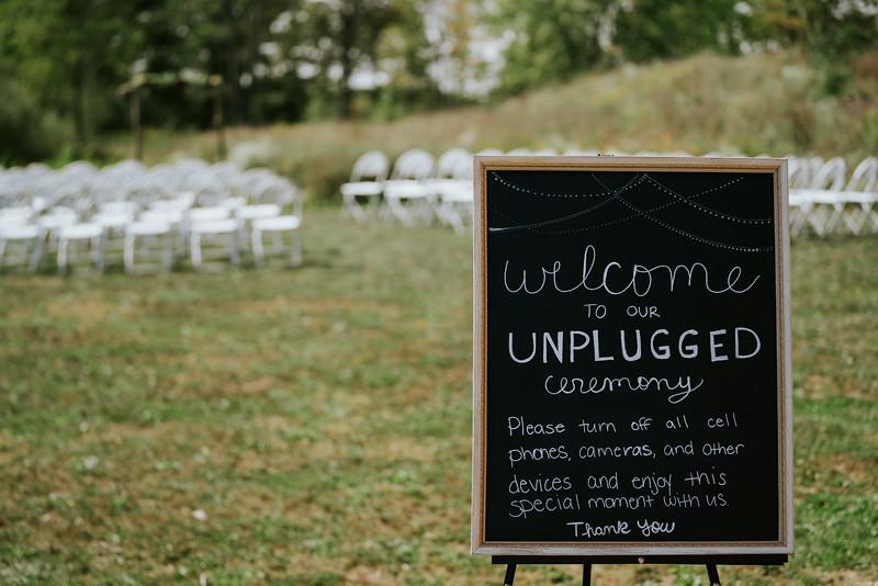 rustic_ohio__fall_barn_wedding-54.jpg