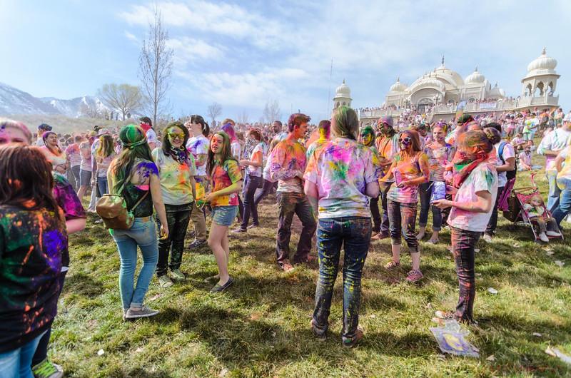 Festival-of-colors-20140329-111.jpg