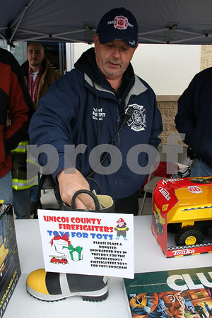 Firemen Seek Toys for Tots - November 2007
