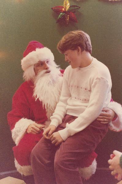 Christmas 1985 - Greenham Common_0008.jpg