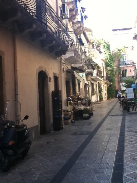 20110812-Ginka-Sicily-20110812--IMG_1107--0235.jpg
