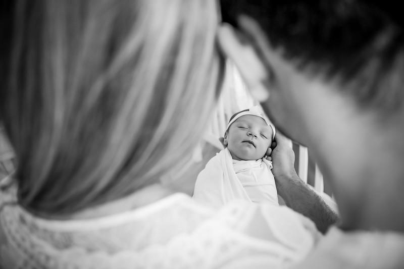 bw_newport_babies_photography_hoboken_at_home_newborn_shoot-5101.jpg