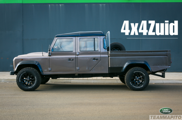 Land Rover Defender 147 Watermarked