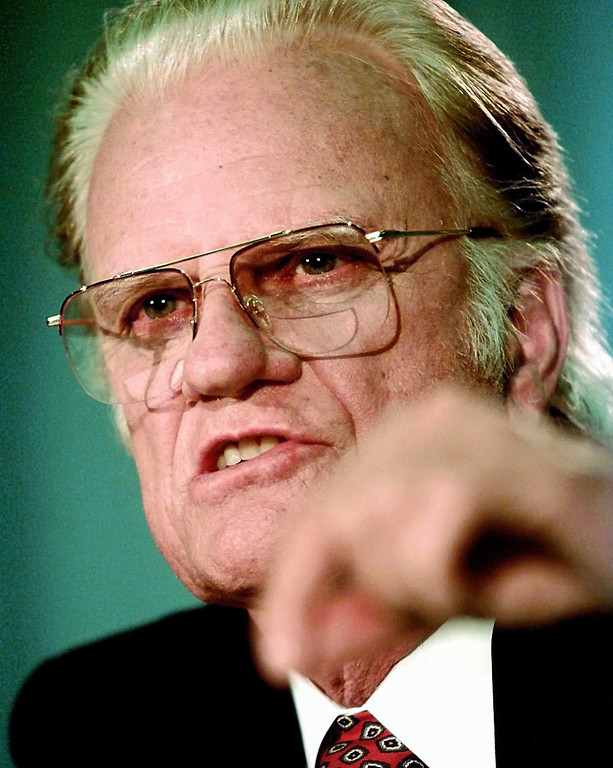 . Rev. Billy Graham answers a question during a news conference Tuesday, April 1, 1997, in San Antonio.  (AP Photo/David J. Phillip)