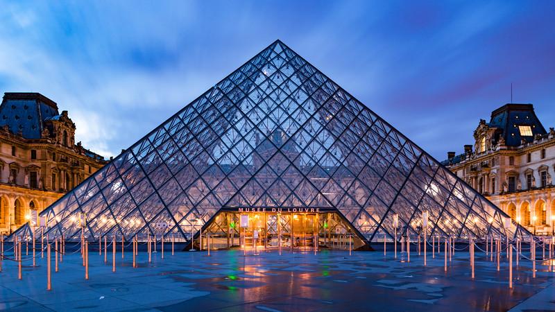 Louvre Courtyard Night-90814.jpg