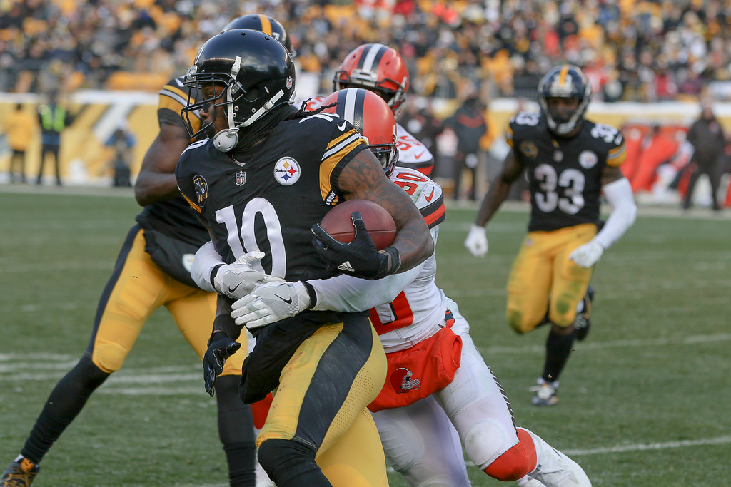. Anton Albert - The News-Herald Photos from the Browns\' 28-24 loss to the Steelers on Dec. 31 in Pittsburgh.