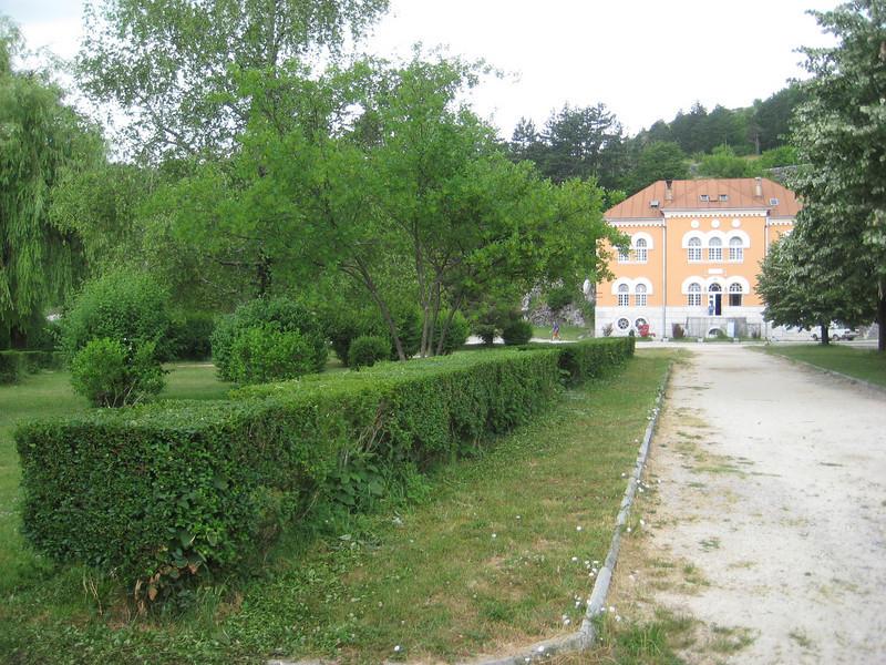 manor_3.jpg