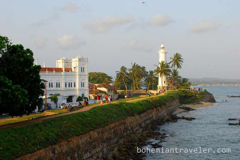 galle fort mosque and lighthouse.jpg
