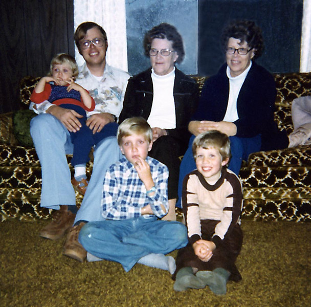 Phillips family with Great Grandma Herdrich & Grandma Phillips