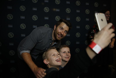 Brett Eldredge M&G | St. Louis, MO | 2.24.18