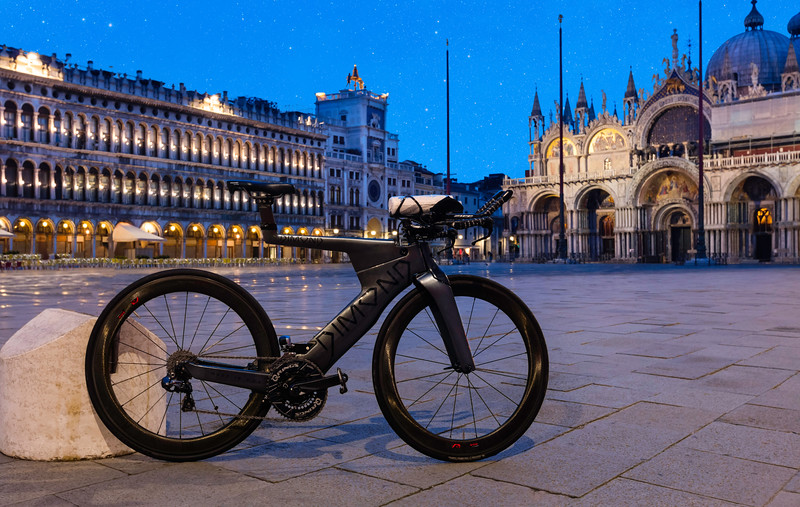 Dimond-Venice-StMarksSquare-Pillar-0488.jpg