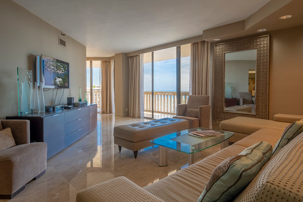 Turnberry Towers apartment