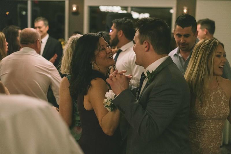 MP_18.06.09_Amanda + Morrison Wedding Photos-03375.jpg