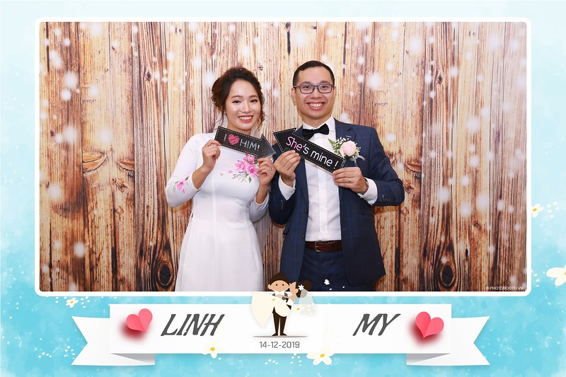 Linh-My-wedding-instant-print-photo-booth-in-Ha-Noi-Chup-anh-in-hnh-lay-ngay-Tiec-cuoi-tai-Ha-noi-WefieBox-photobooth-hanoi-112.jpg