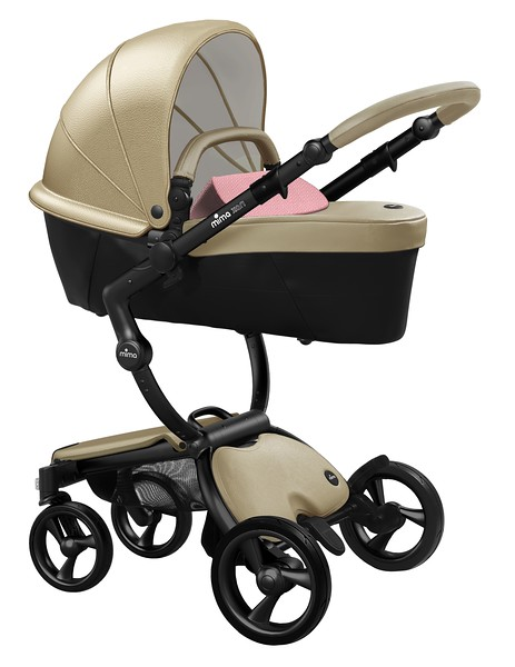 Mima_Xari_Product_Shot_Champagne_Black_Chassis_Carry_Cot_Pixel_Pink.jpg