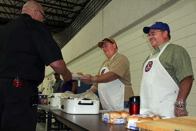 Lions Rick Walton (center) and Ron Ensz were our Saturday sandwich guys.