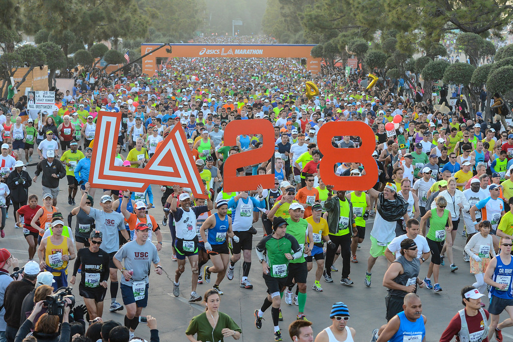 . The start of the LA Marathon Sunday at Dodger Stadium. Photo by David Crane/Staff Photographer