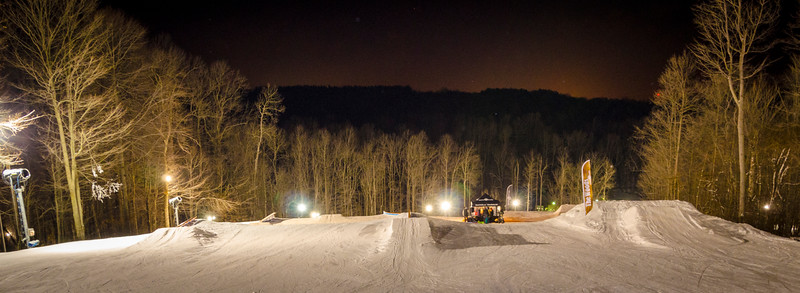 Nighttime-Rail-Jam_Snow-Trails-194.jpg