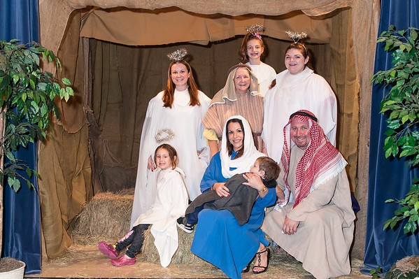 Family Manger Photos 12-17-2016