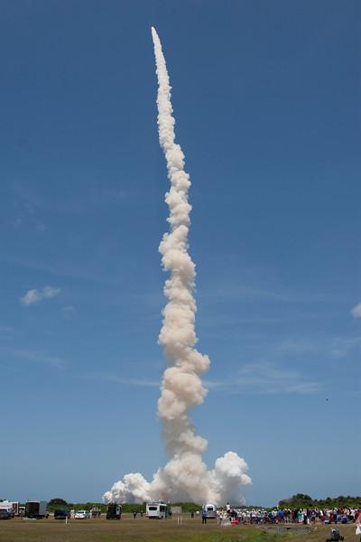 Atlantis_liftoff_wide.jpg