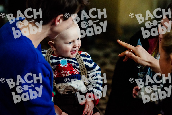 © Bach to Baby 2016_Alejandro Tamagno_Victoria Park_2016-12-14 008.jpg