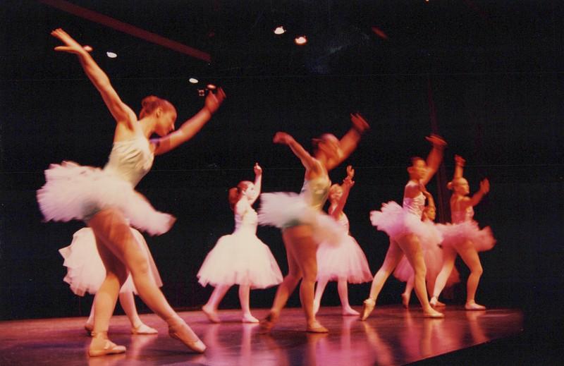 Dance_1335.jpg