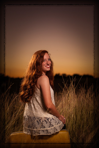 Davi Senior Pics 20161027-18-55-_MG_4452-018-Edit.jpg