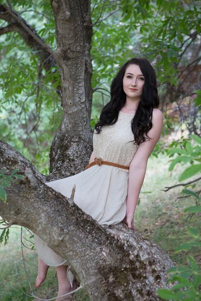 Abby Portrait Round Valley-_85A6869-.jpg