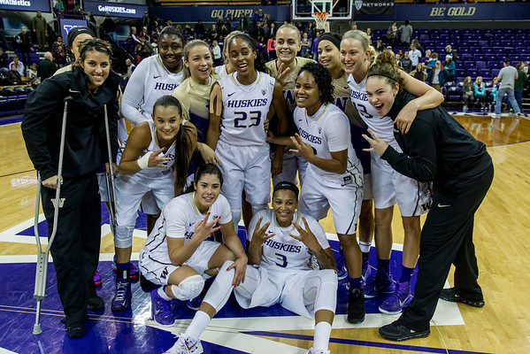 UW Huskies Women's Basketball vs Texas A&M