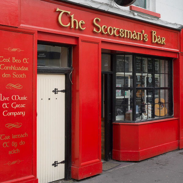 Fa�ade of Irish bar Donegal, County Donegal, Ireland