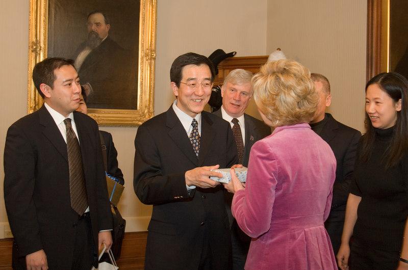 2007_china_delegation_statehouse_tour_lt_gov_0250.JPG